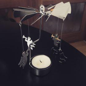 Spinner – îngeri în lumina lumânării